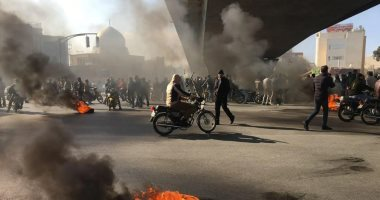 إيران: اعتقال عدد من المتظاهرين غرب طهران