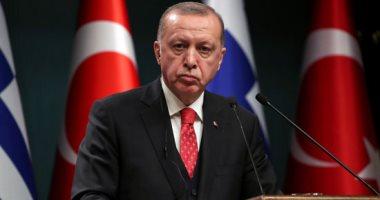 أردوغان يسيطر على شركات الاتصالات للتجسس على الأتراك