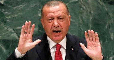 بلومبرج: سياسات أردوغان تجاه جيرانه أدت إلى عزلته