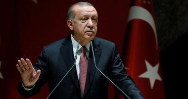 أردوغان يقيل وزيرا لتأجيله مشروعاً قطرياً بإسطنبول خوفا من تفشى كورونا