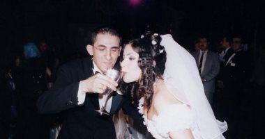 """صور أشهر ثنائى فى الوسط الفنى """"أحمد حلمى و منى زكى""""في يوم زفافهما عام 2002"""