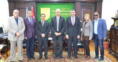 رئيس جامعة الإسكندرية يستقبل لجنة التعليم العالى لتقييمها فى تطوير العشوائيات