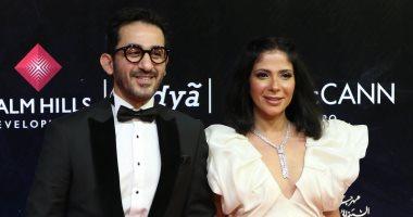 فيديو.. مهرجان القاهرة السينمائى .. أحمد حلمى ومنى زكى ومنة شلبى على السجادة الحمراء