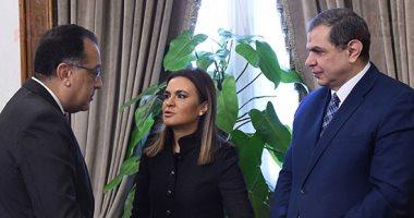 الحكومة: فتح الإجازات للمصريين العاملين بالخارج التابعين لقطاع الكهرباء
