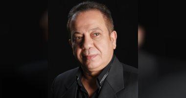 الفنان محمد محمود يعلن وفاة زوج ابنته الاستايلست نهال المصرى إثر حادث أليم