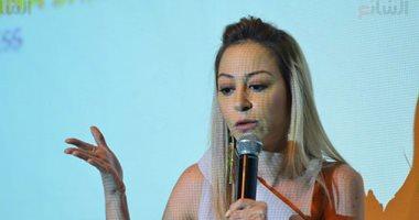 منة شلبى: أصاب بالاكتئاب والتوحد وبروح لدكتور نفسى مع تجسيد كل شخصية