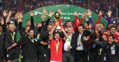 فيديو وصور.. لحظة رفع المنتخب الأولمبى كأس بطولة أمم أفريقيا 2019