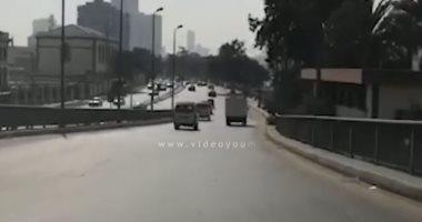 """فيديو شاهد.. حركة السيارات بكورنيش النيل """"شبرا – التحرير"""""""
