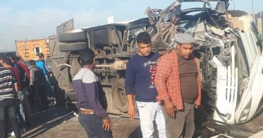 مصرع شخصين وإصابة 10أشخاص فى حادث تصادم 4 سيارات بالمنيا