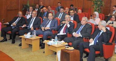 السفيرة منى عمر تطالب بإدراج دور المرأة ضمن محاور مؤتمر الشأن العام