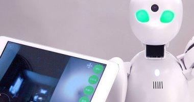 فى كوكب اليابان.. روبوت يذهب للمدرسة بدلا من التلاميذ المرضى.. فيديو