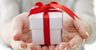 لو حبيبك برج القوس إيه الهدية اللى تناسبه؟ 6 أفكار من جلسة مساج لشنطة سفر