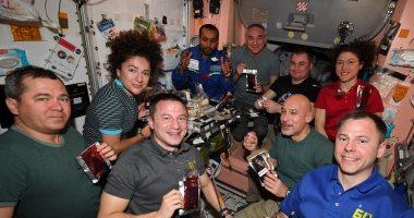 هزاع المنصورى يستعيد ذكرياته فى محطة الفضاء الدولية