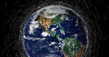 هل تقضى الأقمار الصناعية الميتة على كوكب الأرض.. اعرف التفاصيل