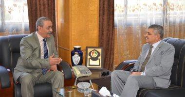 محافظ الإسماعيلية يستقبل رئيس هيئة قناة السويس ويشيد بدعم الهيئة للمشروعات