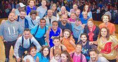 محمد أنور يوجه رسالة لزملائه بعد انقضاء 7 سنوات عمل بمسرح مصر