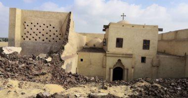 قتلى ومصابين فى انهيار حائط داخل الكنيسة الأثرية بدير أبو فانا بملوى