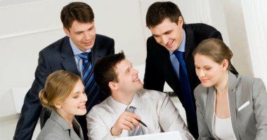 7 نصائح لخلق انطباع أول جيد فى العمل.. الملابس والتواضع مع زملائك أبرزها