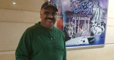 داوود حسين يصل مطار برج العرب استعدادًا لتكريمه في الإسكندرية للمسرح العربي
