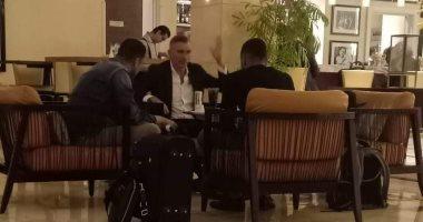 كارتيرون يصل إلى القاهرة لقيادة الزمالك.. وجلسة منتظرة مع مرتضى