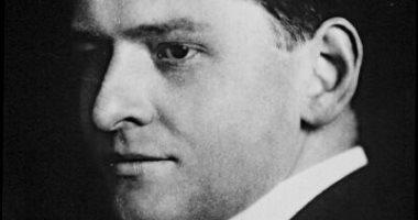 حصل على جائزة نوبل لإنجازاته بالفيتامينات.. 8 معلومات عن الكيميائى ريشارد كون