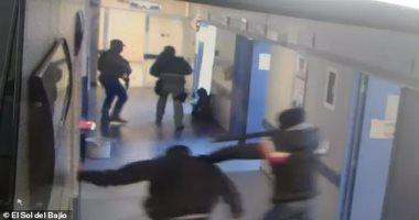 فيديو.. عصابة مكسيكية تخطف مريضا من مستشفى وتقتله وتقطعه وترميه فى الطريق