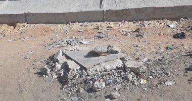 قارئ يشكو من تهالك أغطية بلاعات الصرف الصحى وانتشار القمامة بالزقازيق