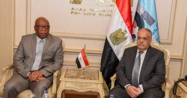رئيس الهيئة العربية للتصنيع يبحث مع مسئول أفريقى التعاون فى عدة مجالات
