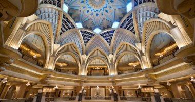 فندق عيار 22.. سقف قصر الإمارات يتزين بالذهب وطريقة خاصة لحمايته