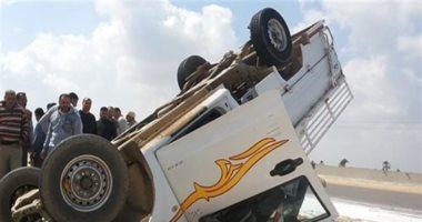 """اصابة 14 شخص فى انقلاب سيارة نقل بطريق """"السنبلاوين- الحصينة"""" بالدقهلية"""