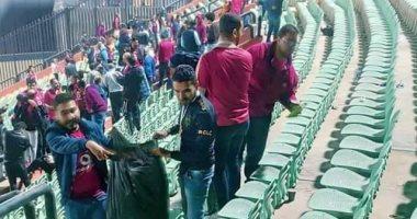 جماهير الأهلي تنظف ستاد السلام بعد مباراة الهلال السودانى