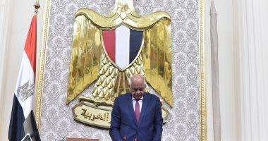صور.. رئيس البرلمان يطالب النواب بعدم مغادرة القاعة لتأبين النائب محمد بدوي دسوقي