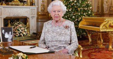 الملكة إليزابيث هتلبس إيه فى الكريسماس؟ مصممتها الخاصة تكشف الكواليس