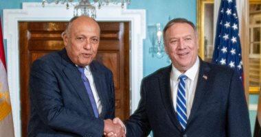 سامح شكرى يبحث مع وزير الخارجية الأمريكى تثبيت وقف إطلاق النار فى ليبيا