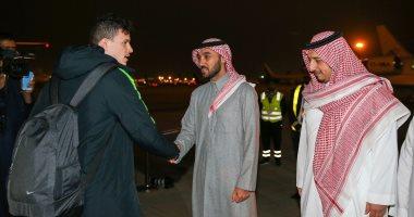 رئيس الهيئة العامة للرياضة يستقبل بعثة المنتخب السعودي بعد خسارة نهائي خليجي 24