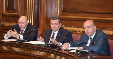 """صور.. أسامة هيكل يرفع اجتماع """"إعلام البرلمان"""" اعتراضا على أرقام الحكومة"""