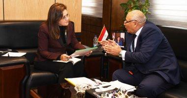 وزيرة التخطيط تلتقي محافظ الوادي الجديد لبحث سبل استثمار الفرص التنموية