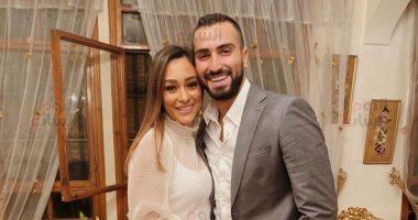 محمد الشرنوبى وراندا رياض يستعدان لحفل زفافهما فى الجونة