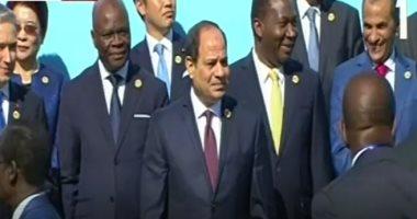 شاهد.. لحظة وصول الرئيس السيسى مقر منتدى أسوان للسلام والتنمية