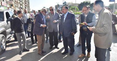 محافظ أسيوط يتفقد أعمال النظافة ويلتقى المواطنين بميدان أسماء الله الحسنى