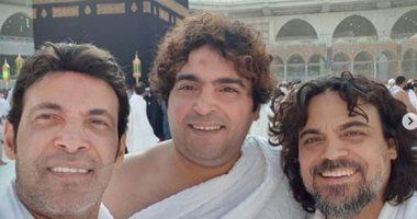من أمام الكعبة .. سعد الصغير يدعو لـ شعبان عبد الرحيم (فيديو)