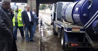 صور.. رفع آثار المياه من شوارع القاهرة ونفقى شبرا ورملة بولاق