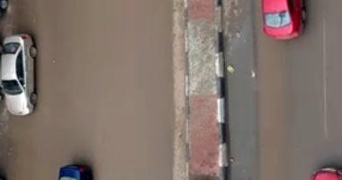 صور.. هطول أمطار غزيرة بالشرقية.. والمحافظ يرفع حالة الطوارئ