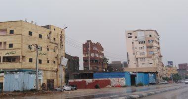 الأمطار تغرق شوارع مدن وقرى دمياط والفيوم.. صور