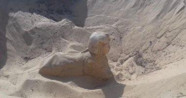 الآثار تعثر على تمثال ملكى بهيئة أبى الهول فى تونا الجبل.. صور