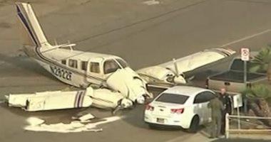 شاهد.. هبوط طائرة فى وسط الشارع لولاية فينيكس الأمريكية دون إصابات