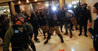 شرطة هونج كونج تعتقل مشتبها به فى طعن شرطى بعد احتجاجات على قانون الأمن