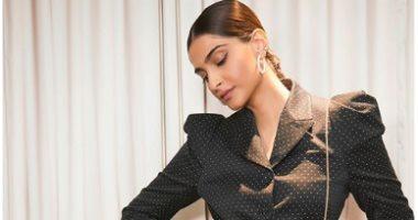 الممثلة الهندية سونام كابور ينضم لقائمة الحاضرين بحفل ميدل بيست بموسم الرياض