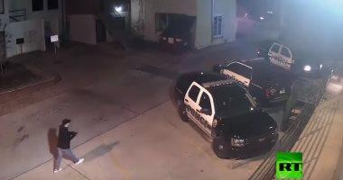 فيديو.. تصفية شرطى بعشر رصاصات أمام مغفر الشرطة فى بولاية أوريجون بأمريكا