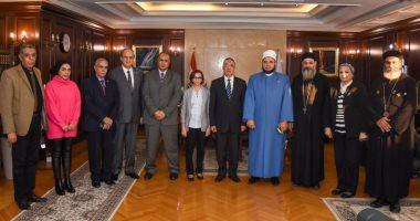 محافظ الإسكندرية: نسعى لتعظيم دور بيت العائلة لغرس القيم والمفاهيم السمحة